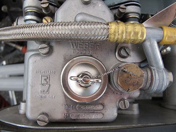 Weber carburetor: type 45DCOE9, number 12072.