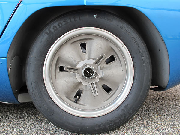 Hoosier Speedster radial tires (205/60R15).