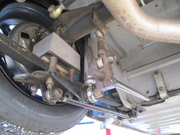 Spacers have been installed on the u-bolts so the axle doesn't bind in relation to the leafspring.