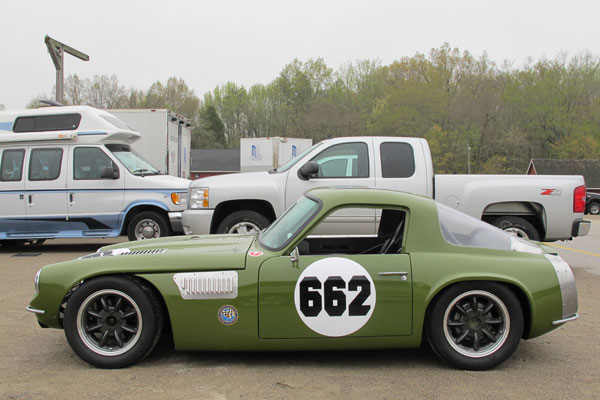 With shortened bodywork, this car resembles TVR's Vixen (1967-73) and Tuscan (1967-71) models.