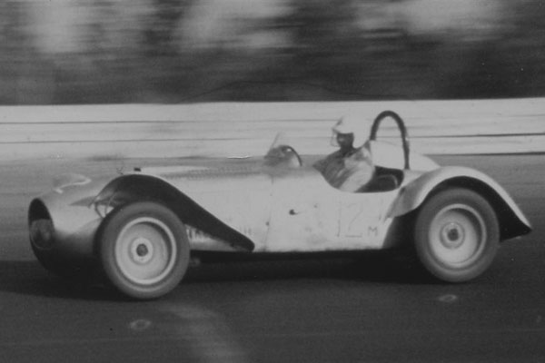For 1955, narrow cycle-style fenders were replaced with flared fenders to meet changing SCCA rules.