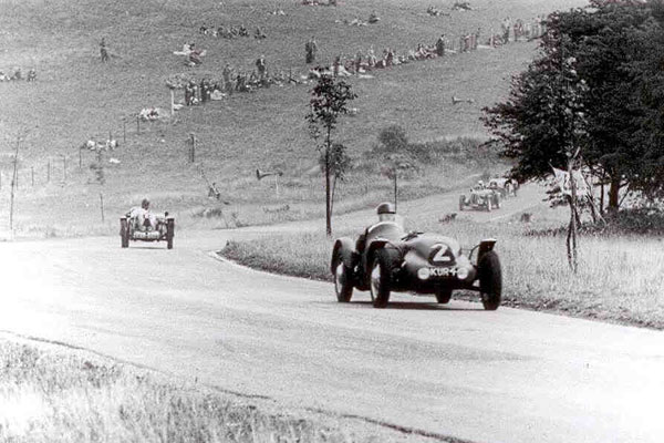 Harry Lester drove KUR 4 to a 3rd place finish in a National race at Blandford on 8 August 1949.