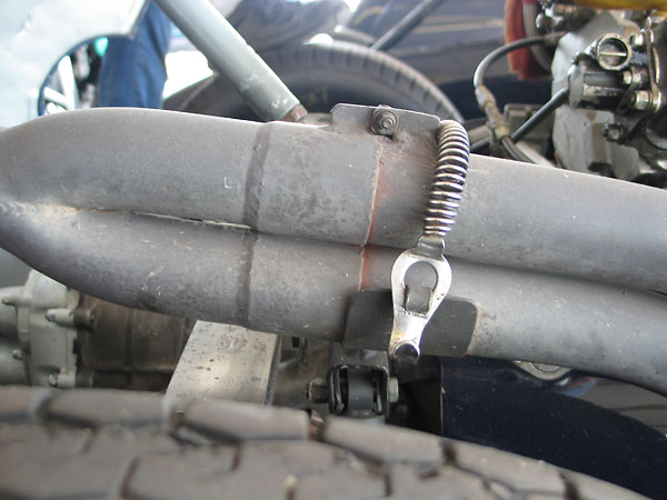 A slip coupling and a spring-loaded mount should help the headers resist cracking.