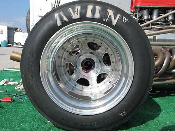 modular racing wheels with Avon 16.2/26.0-15 bias-ply racing slicks.