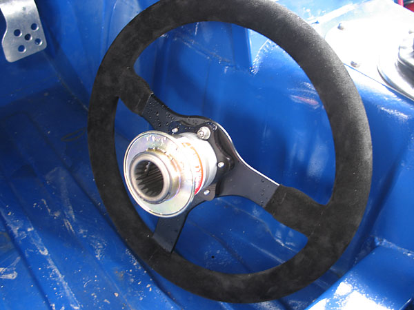 Sweet Manufacturing splined, quick release steering wheel hub (part# 801-70055).