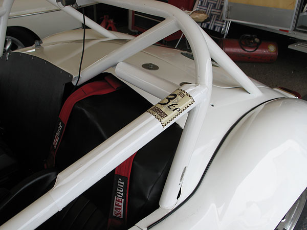 Nice little detail: roll cage padding covered in smooth white tape.