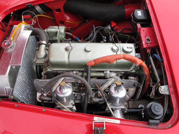 Austin four cylinder engine (nominally 2660cc, 3.44 bore x 4.38 stroke).
