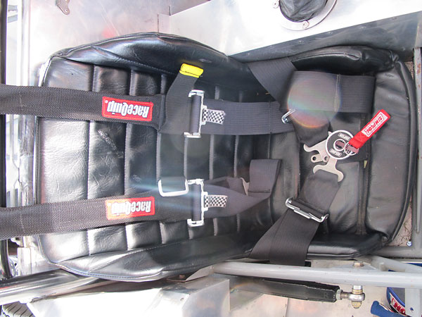 RaceQuip shoulder straps used in combination with Simpson Performance Products lap belt