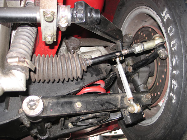 Fab-tek anti-sway bar.