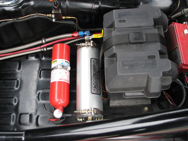 2 quart capacity Accusump cylinder. Accusump provides oil flow before engine start-up.