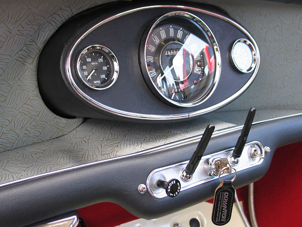 Smiths oil temperature gauge (0-140C), speedometer (0-130mph), and dual oil pressure (0-100psi) and water temperature gauge (0-230F).