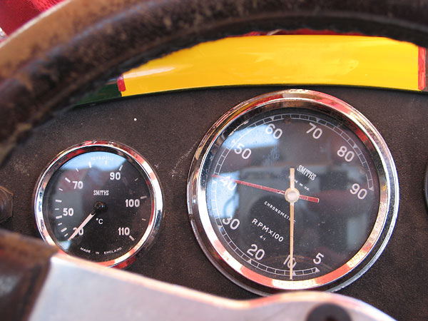Smiths coolant temperature gauge (30-110C) and Smiths Chronometric rev counter (500-9000rpm).