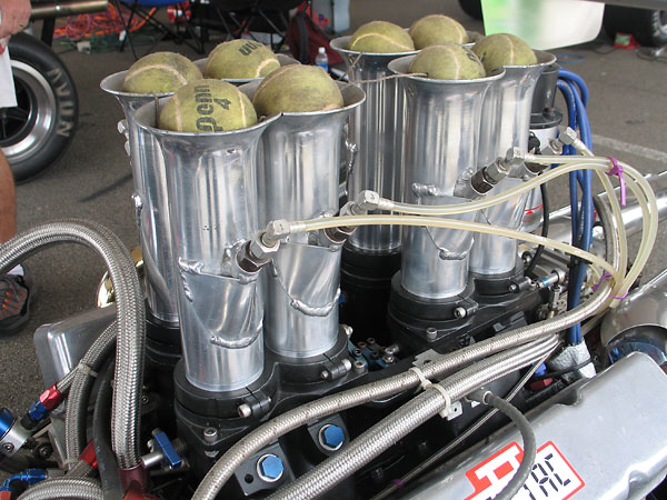 Kinsler/Lucas fuel injection system, on a Kinsler manifold.