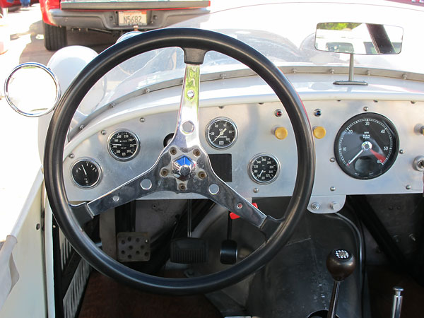 Cable-driven Smiths tachometer.