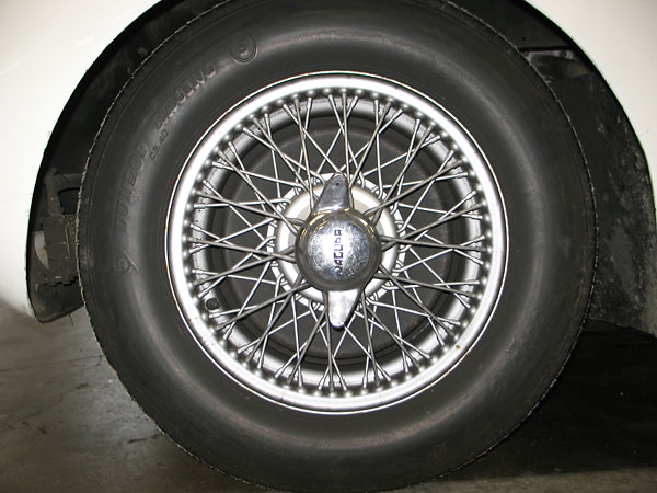 60-spoke 5x16 wheels. Dunlop Racing L-series 6.00x16 tires.